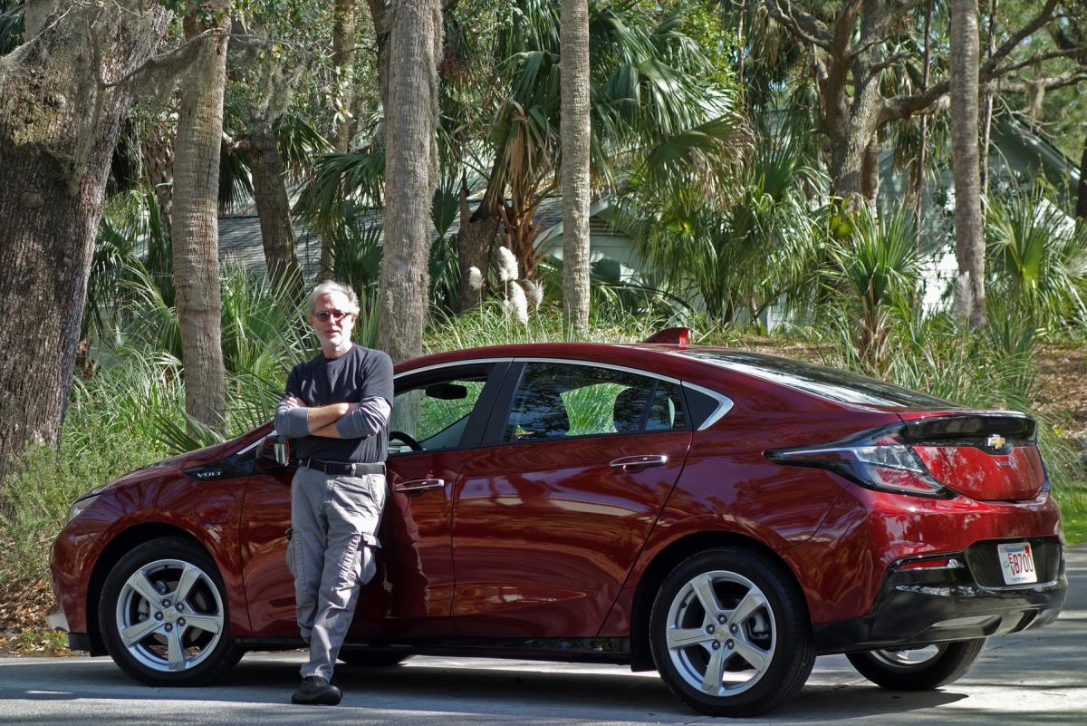Electric Vehicle Tax Credits And Rebates Explained